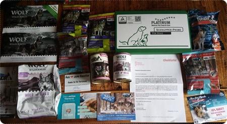Kostenlose Futterproben-Box von CheckForPet - Bunte Mischung für deinen Hund oder deine Katze
